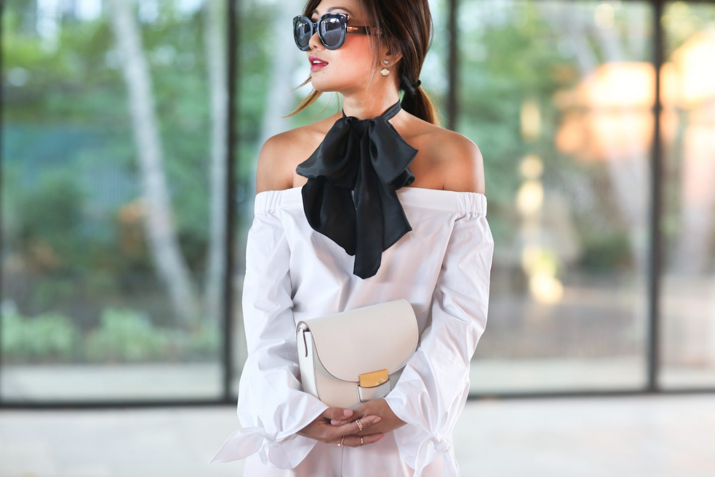 over-the-shoulder-bow-10
